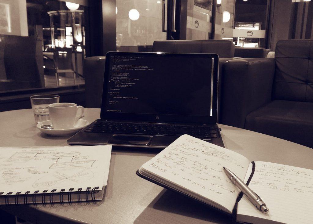 机 パソコン